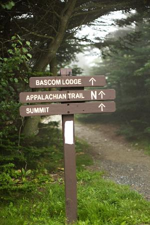 Bascom Lodge: Trail to Lodge