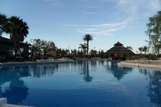 Howard Johnson Hotel & Marinas San Pedro Resort: Piscina Descubierta