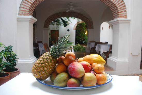 Alfiz Hotel : Exotic fruits for your breakfast