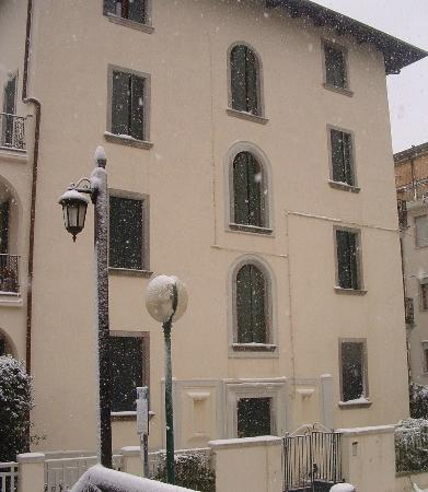 Bed & Breakfast Venice Rooms House: Our palace in a winter day