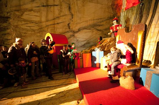 La Grotta Di Babbo Natale.L Antica Cava Dal 24 Novembre Ospita La Grotta Di Babbo Natale