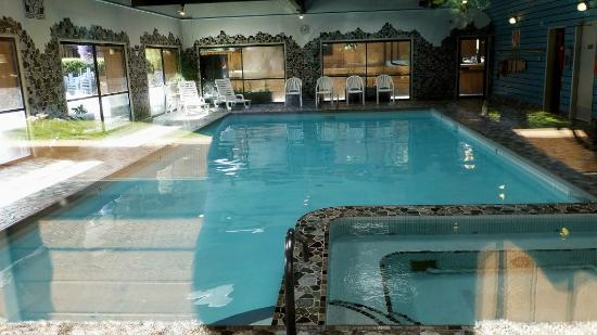 Marmot Lodge: Pool