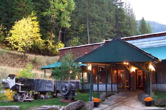 City Limits Pub: A warm and welcome spot for the traveler in Wallace, idaho