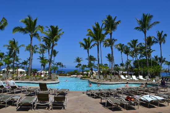 The Ritz-Carlton, Kapalua: Our view from the cabana--we had cabana #5