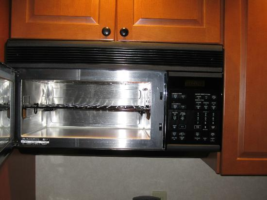 Quality Suites: Oven / Microwave / Stove top