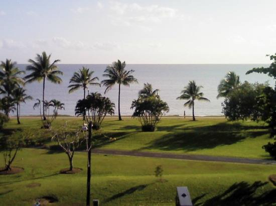 Acacia Court Hotel: Ocean view