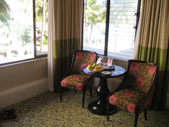 The Royal Hawaiian, A Luxury Collection Resort, Waikiki: Ocean View Junior Suite
