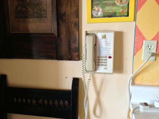 Hotel Pepper Tree: Push Button Wall Phone