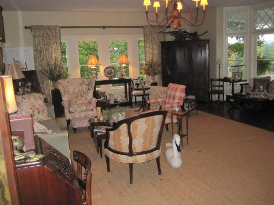 Ruah Bed & Breakfast: Common Living Room