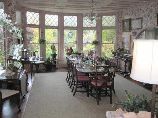 Ruah Bed & Breakfast: Dining Room