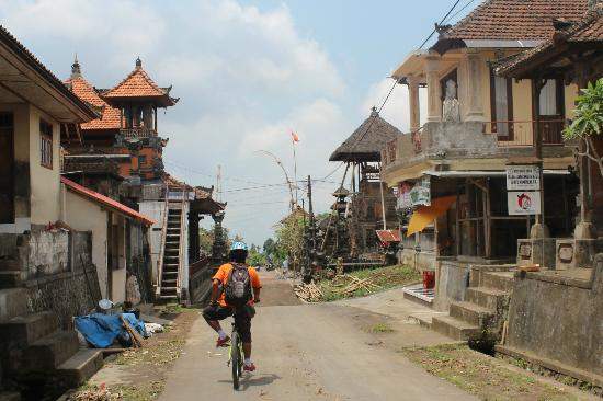 Halo Bike Cycling Tour: winding our way through villages