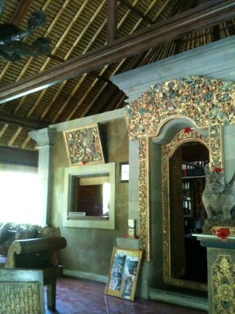 Ananda Cottages: The reception