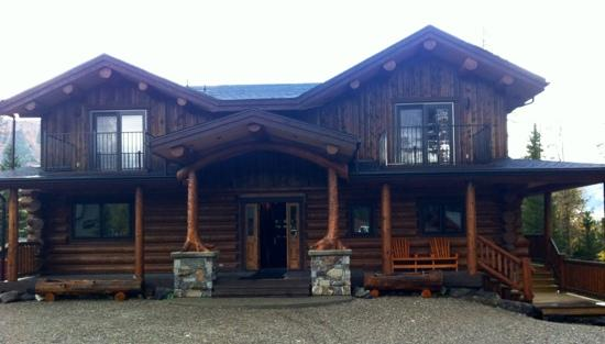 Blackstone Lodge: The gloomy weather doesn't reflect the amazing stay you will have.