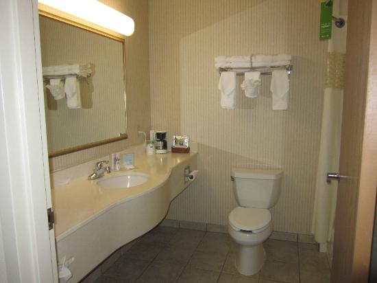 Hampton Inn & Suites Scottsbluff Conference Center: Bathroom