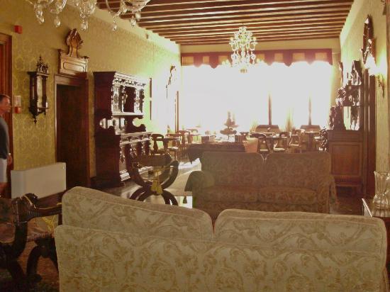 Palazzo Priuli: Breakfast room