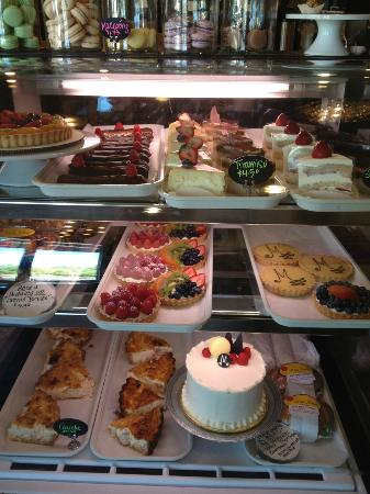 Mon Amie Bakery and Cafe