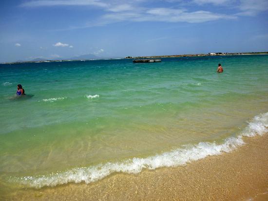 Bahía de Charagato - Isla Cubagua - Mar verde esmeralda
