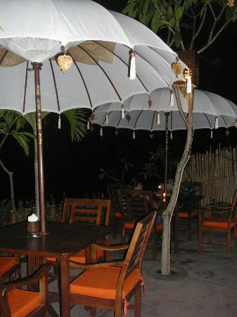 Amed Corner Restaurant: ambiance zen le soir