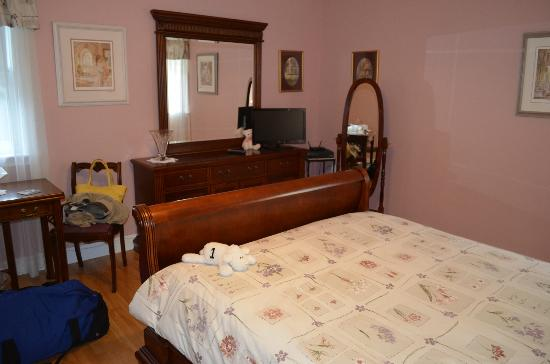 Country Charm Bed & Breakfast: Romance Room