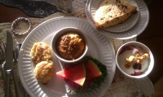 A G Thomson House Bed and Breakfast: Breakfast...cheese omelet, scone, potato puff, fruit, yogurt.