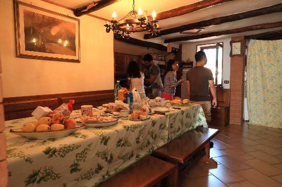 MiraMare Bed&Breakfast: breakfast !!