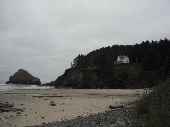 River House Inn : Heceta Head Lighthouse closed for renovations.