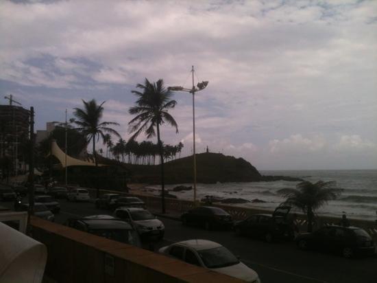 Monte Pascoal Praia Hotel Salvador: vista de frente piscina do hotel