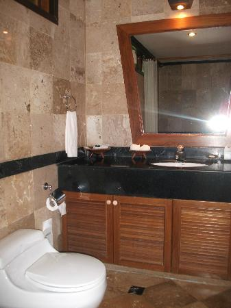 Somkiet Buri Resort: bathroom