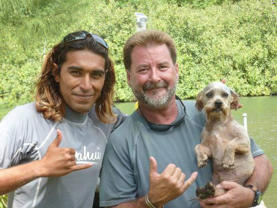 Anahola, Havai: Joe, Matt and mascot Woodie