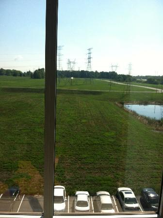Hilton Garden Inn Indianapolis Airport: View from room, over looking trash bin and some construction