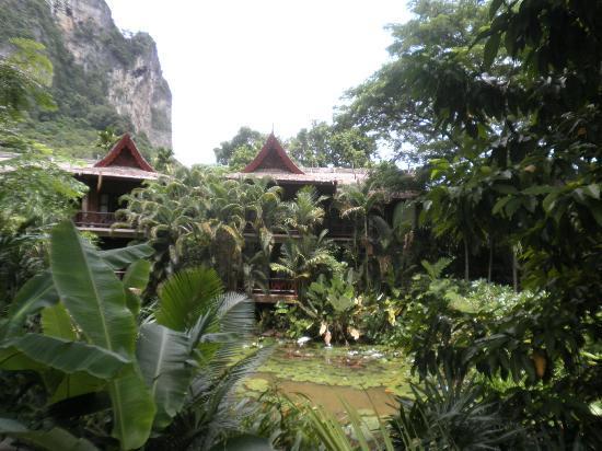 Somkiet Buri Resort: garden