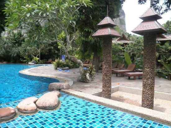Somkiet Buri Resort: pool