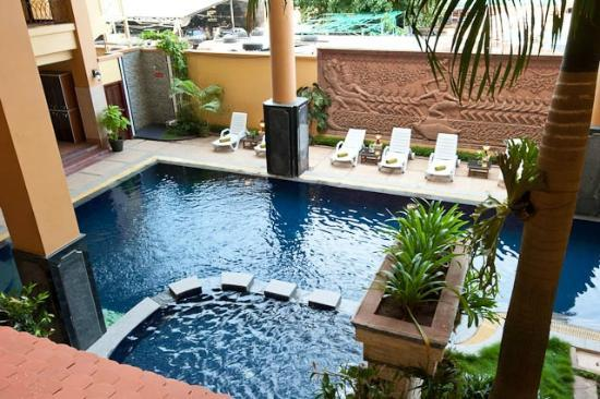 Bougainvillier Hotel: out swimming pool
