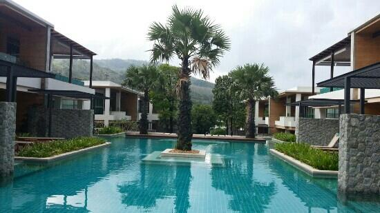 Wyndham Sea Pearl Resort Phuket: The two bedrooms with living room and pool access