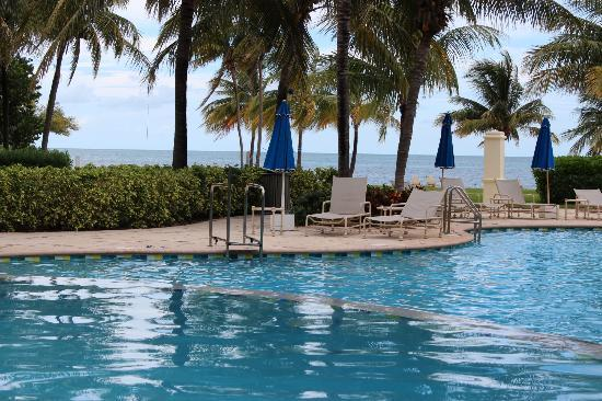 Old Bahama Bay: view of beach from pool