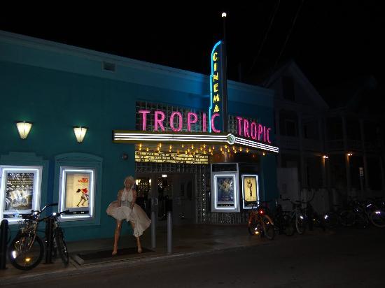 L'Habitation : Movie theatre next door