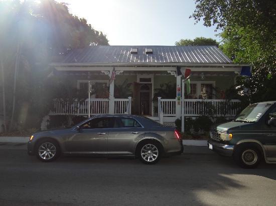 L'Habitation : Front door and porch