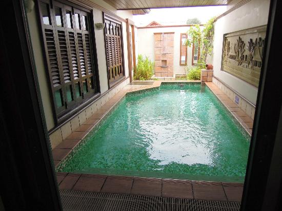 Room 1 grand lexis port dickson picture of grand for Garden pool grand lexis