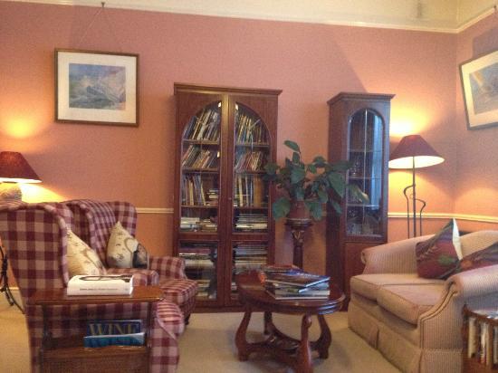 Aberdeen Lodge: Cozy living room