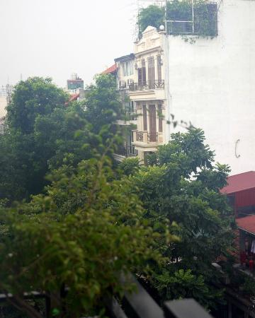 Hanoi Charming 2 Hotel: View from 601 balcony