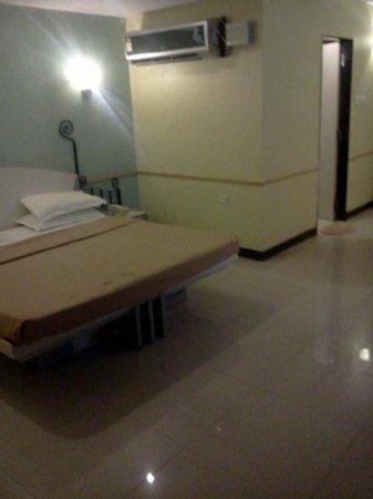 Hotel Dhammangi Comforts: Clean Rooms