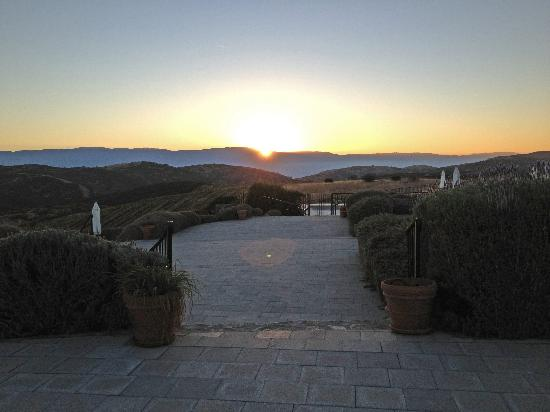 Inn at the Pinnacles Bed and Breakfast: Sunset at the hosted wine and cheese event