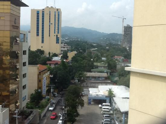 Hotel Elizabeth Cebu: View from room