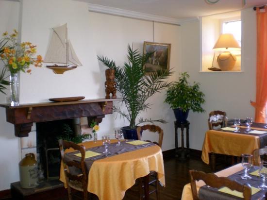 hôtel, restaurant, Crêperie de Launay : salle de la crêperie