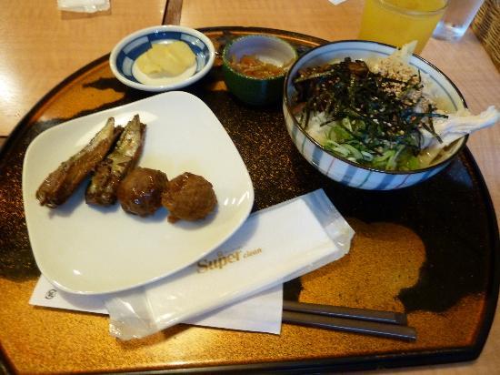 Hotel Union : 朝食  鶏飯、小鰯の甘露煮、ミートボール