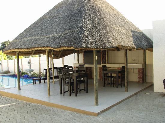 Winnie Guesthouse: Beach area