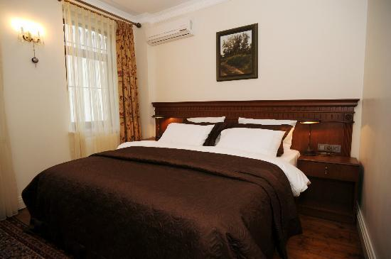 Dila Suites: Twin Room