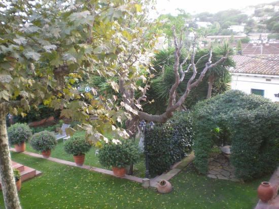 Hotel Mas de Baix: jardin
