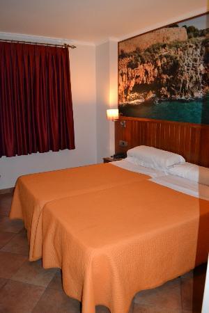 Hotel Placa de la Font: Habitación1