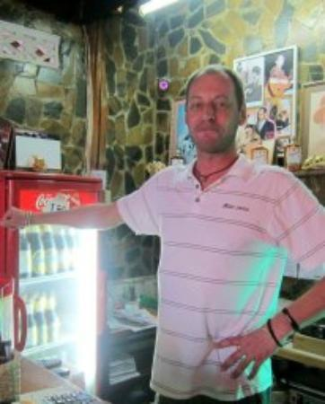 Farang Bar: Lovely Ivor